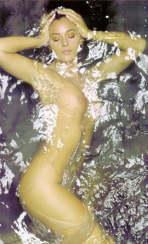 Актриса Моника Белуччи - звезда софт-порно (ФОТО) .